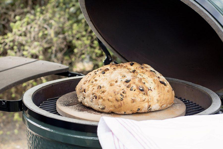 Hornear pan en el Big Green Egg
