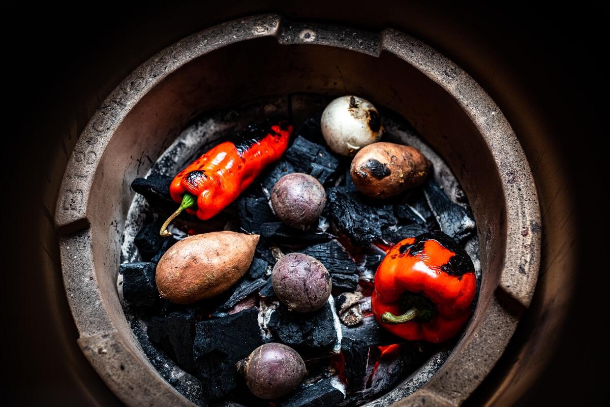 Verduras asadas al estilo cavernícola