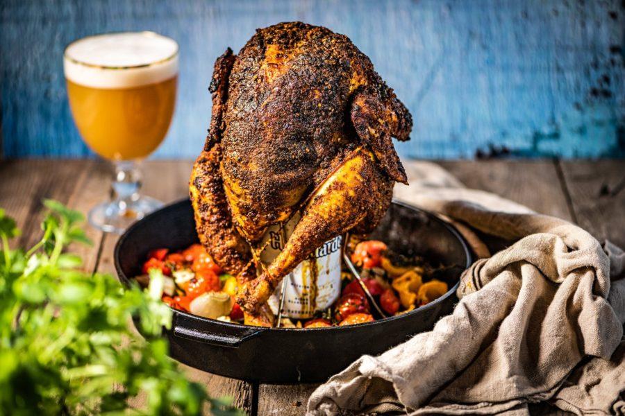 Pollo con cerveza blanca y verduras asadas